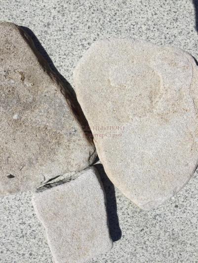 Камень ПЕСЧАНИК БЕЛО-ЖЕЛТЫЙ (ГАЛТОВАННЫЙ)