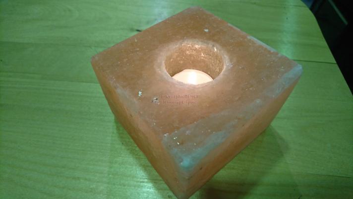 Подсвечник из гималайской соли Куб